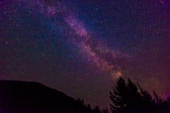 Vista cênico da Via Látea e da estrela sobre o lago Diablo no Ca norte Fotos de Stock Royalty Free