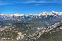 Vista cênico de Banff da parte superior da passagem da gôndola de Banff foto de stock