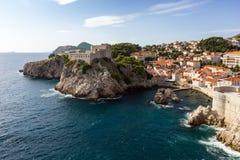 Vista cênico do forte Lovrijenac e da cidade de Dubrovnik Fotografia de Stock