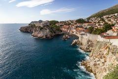 Vista cênico do oceano e da cidade de Dubrovnik Fotografia de Stock
