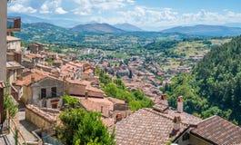 Vista cênico em Tagliacozzo, província de L ` Aquila, Abruzzo, Itália fotografia de stock