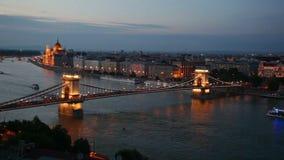 Vista cênico na ponte Chain de Szechenyi em Budapest, Hungria video estoque