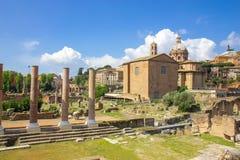 Vista cênico sobre as ruínas de Roman Forum em Roma Fotos de Stock Royalty Free