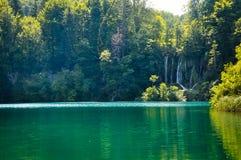 Vista c?nico das cachoeiras no parque nacional dos lagos Plitvice, Cro?cia fotos de stock