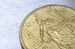 Vista cercana de la moneda del euro de cincuenta centavos Imágenes de archivo libres de regalías