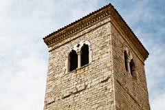 Vista cercana de la torre de Bell en Rijeka Imagen de archivo