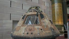 Vista cercana del módulo de comando de Apolo 11 almacen de metraje de vídeo