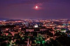 Vista a Città Vecchia Citta Alta di Bergamo da San Vigilio Hill Fotografia Stock