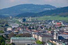 Vista clásica de la ciudad histórica de Salzburg fotos de archivo