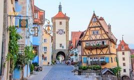 Vista classica della cartolina di vecchia città medievale del der Tauber, Baviera, Germania del ob di Rothenburg Fotografia Stock Libera da Diritti