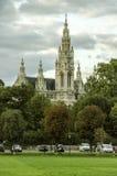 Vista colorida del ayuntamiento fotografía de archivo libre de regalías