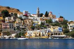 Vista colorida fantástica da ilha de Symi fotografia de stock royalty free