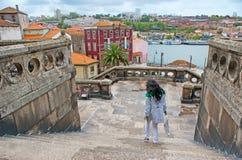 A vista com escadaria de pedra Fotografia de Stock Royalty Free