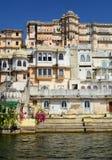 Vista complessa del palazzo della città dal lago Pichola Udaipur Il Ragiastan L'India Fotografia Stock