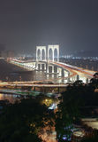 Vista con Sai Van Bridge alla notte Macao immagine stock libera da diritti