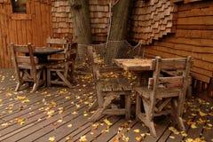 Vista d'autunno della capanna sugli'alberi del giardino di Alnwick Fotografia Stock Libera da Diritti