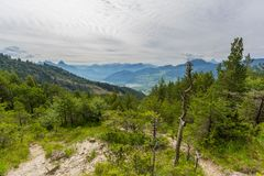 Vista da área do corrimento na montanha de Gnipen Rossberg ao Al suíço Imagem de Stock Royalty Free