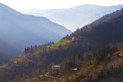 Vista da aldeia da montanha em Geórgia Imagens de Stock