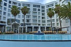 Vista da associação à construção dos hotéis do presidente do hotel do Protea fotografia de stock