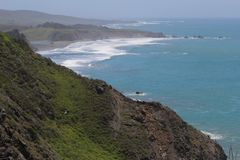 Vista da baía da borda da estrada no ponto áspero fotos de stock royalty free