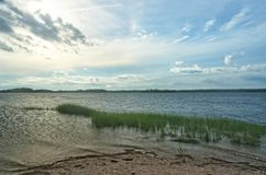 Vista da baía de Gardiners do parque estadual da praia de Oriente, Long Island, NY imagens de stock royalty free