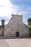 Vista da basílica Valvense de San Pelino em Corfinio, L'Aquila Foto de Stock