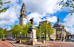 Vista da câmara municipal de Cardiff - Gales fotos de stock