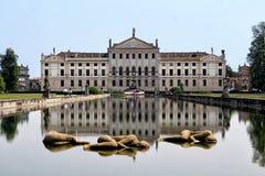 Vista da casa de campo Pisani, Stra, Itália foto de stock royalty free