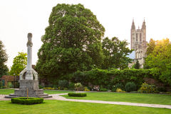 Vista da catedral de Canterbury de Queningate Kent, Inglaterra Foto de Stock