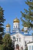 Vista da catedral do ícone de Tikhvin da mãe do deus foto de stock royalty free
