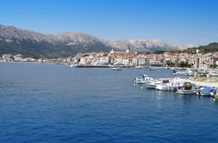 Vista da cidade croata Baska Foto de Stock