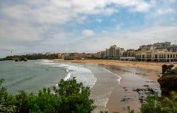 Vista da cidade de Biarritz pelo Oceano Atlântico, França Imagens de Stock Royalty Free
