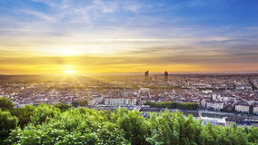 Vista da cidade de Lyon no nascer do sol Fotos de Stock Royalty Free