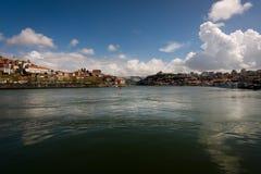 Vista da cidade de Porto do rio Duoro portugal fotografia de stock royalty free