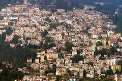 Vista da cidade de Shimla na Índia do norte Fotografia de Stock