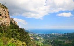 Vista da cidade de Yalta da montagem de Aj-Petri (Ucrânia) Imagem de Stock