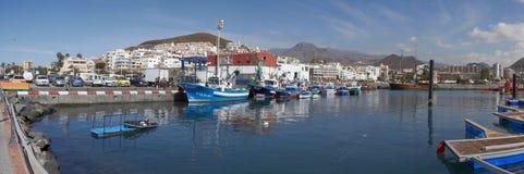 Vista da cidade do Los Cristianos, Tenerife, Ilhas Canárias, Espanha Fotografia de Stock Royalty Free