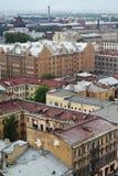 Vista da cidade europeia velha da altura do voo do pássaro St Petersburg, Rússia, Europa do Norte Foto de Stock Royalty Free