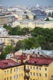 Vista da cidade europeia velha da altura do voo do pássaro St Petersburg, Rússia, Europa do Norte Imagem de Stock