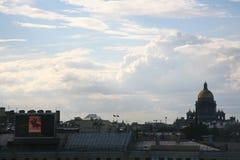 Vista da cidade europeia velha da altura do voo do pássaro St Petersburg, Rússia, Europa do Norte Fotografia de Stock