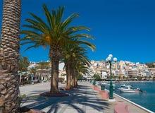 Vista da cidade grega de Sitia. fotografia de stock royalty free