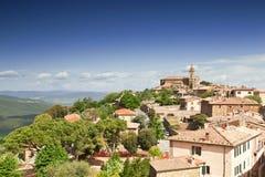 Vista da cidade italiana medieval Imagens de Stock