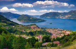 Vista da cidade Marone, um dia ensolarado brilhante Imagem de Stock