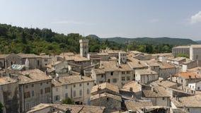 Vista da cidade medieval de Viviers França Fotos de Stock