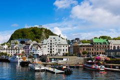 Vista da cidade norueguesa famosa Alesund Imagens de Stock Royalty Free