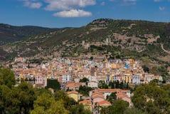 Vista da cidade pequena de Bosa Fotos de Stock