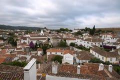Vista da cidade portuguesa medieval de paredes de Obidos: Telhados e Foto de Stock Royalty Free