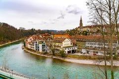 Vista da cidade velha de Berna com a catedral de Berner Munster Imagem de Stock Royalty Free