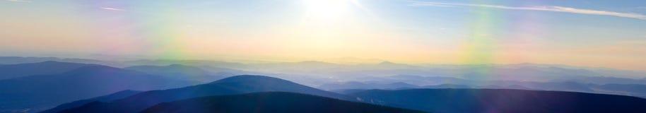 Vista da cimeira checa de Snezka imagens de stock