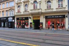 Vista da compra da rua da baixa dentro de Zagreb Fotos de Stock Royalty Free